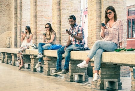 Hooked on the Internet? How to Stay Happy, Focused and Productive in the Age of Digital Distraction
